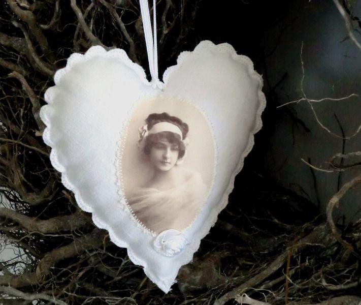 Leinen Stoffherz -Paris-  von White Roses auf DaWanda.com