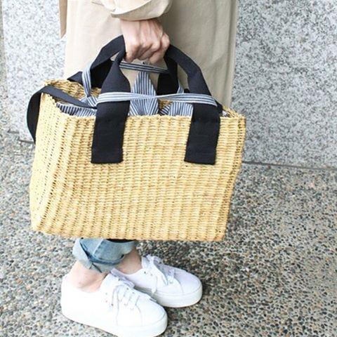 "62 Likes, 1 Comments - WIZWID 위즈위드 (@wizwidkr) on Instagram: ""#MUUN - '아름다운 바구니'로 알려진 MUUN Bag 보기만해도 시-원한 라피아 소재와 모던한 디자인으로 봄과 여름을 함께할 MUUN Bag 을 만나보세요! - Muun…"""
