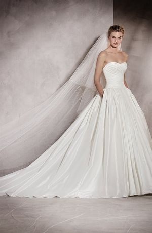 Sweetheart Princess Ball Gown Wedding Dress With Natural Waist In Silk Bridal Style