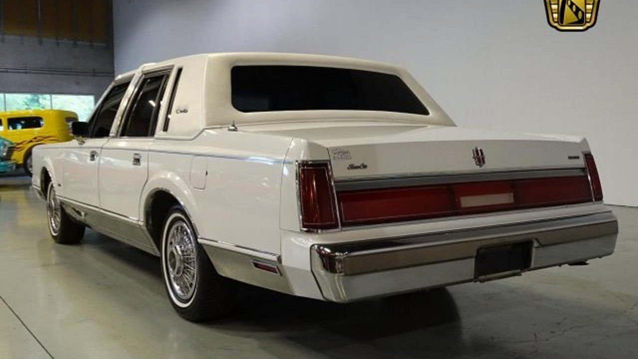 1985 Lincoln Town Car For Sale Near O Fallon Illinois 62269 Classics On Autotrader Lincoln Town Car Car Autotrader