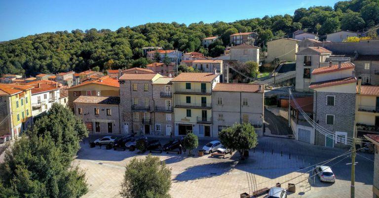 Quer morar na Itália? Cidade histórica muito charmosa está