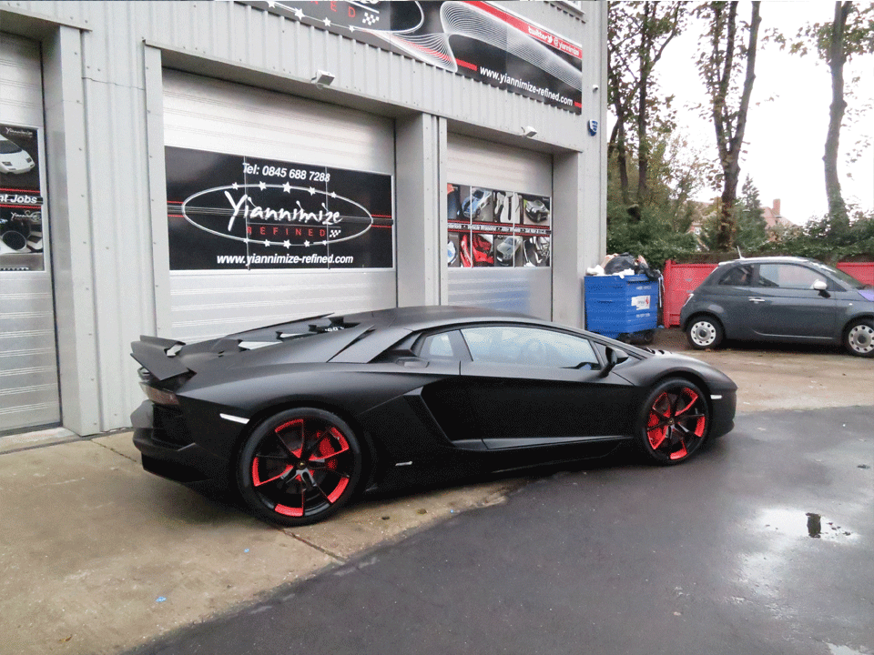 lamborghini huracan yiannimize packair airfreight ocean freight. Black Bedroom Furniture Sets. Home Design Ideas