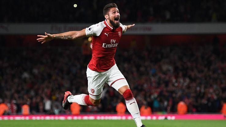 Arsenal may mắn vì có 'vũ khí trong tay áo' Olivier Giroud