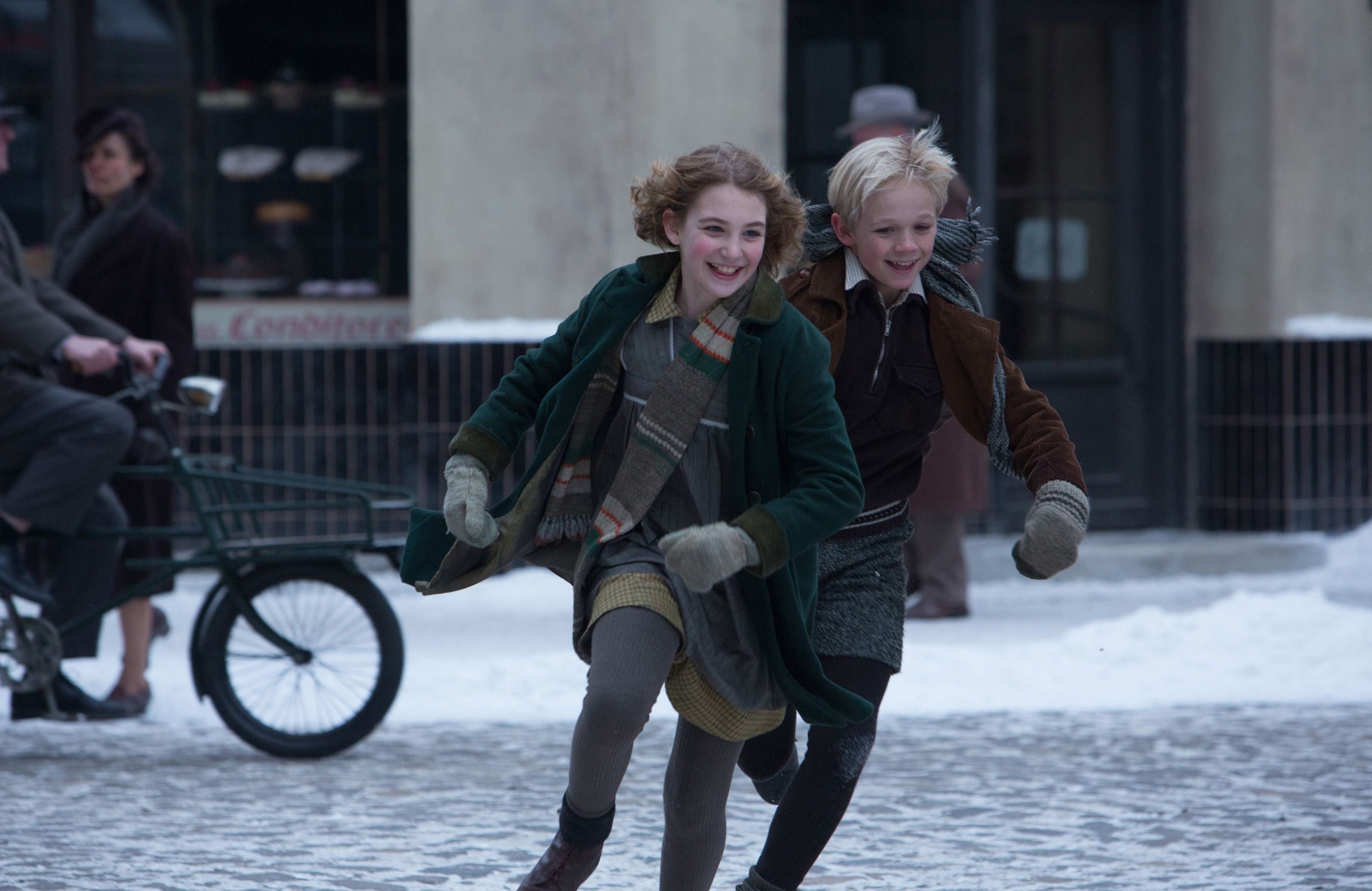 The Scene Where Liesel And Rudy Race Over A Kiss The Book Thief Movies Markus Zusak
