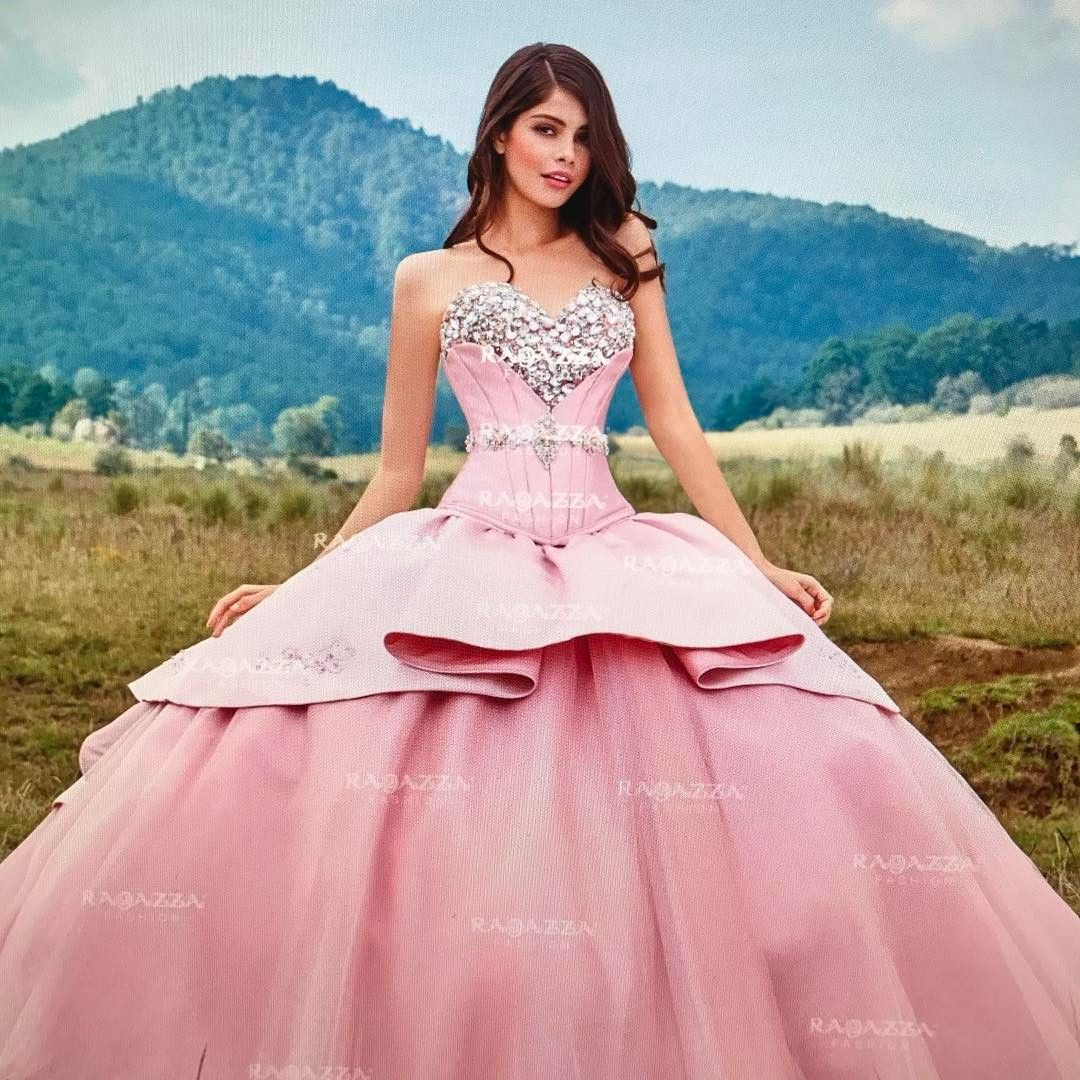 8b11837937 Discover the Magic of a Unicorn Quinceanera Theme - Quinceanera