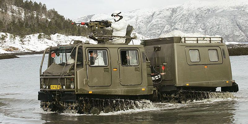 Een Band Vagn 206 D6 In Het Water Military Vehicles Armored Vehicles British Armed Forces