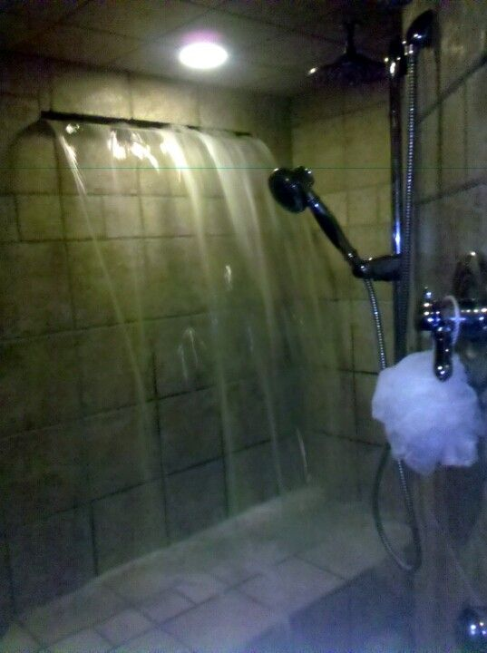 Exceptionnel Waterfall Shower! That Is Really Cool But Can You Imaginge How Much Water  That Thing Uses?