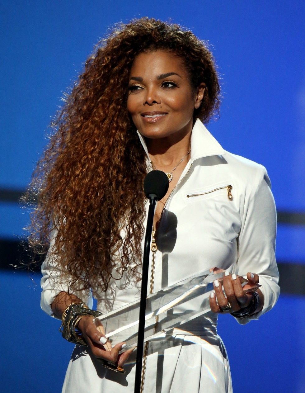 Janet Jackson Rocks Long Curly Hair At 2017 Bet Awards