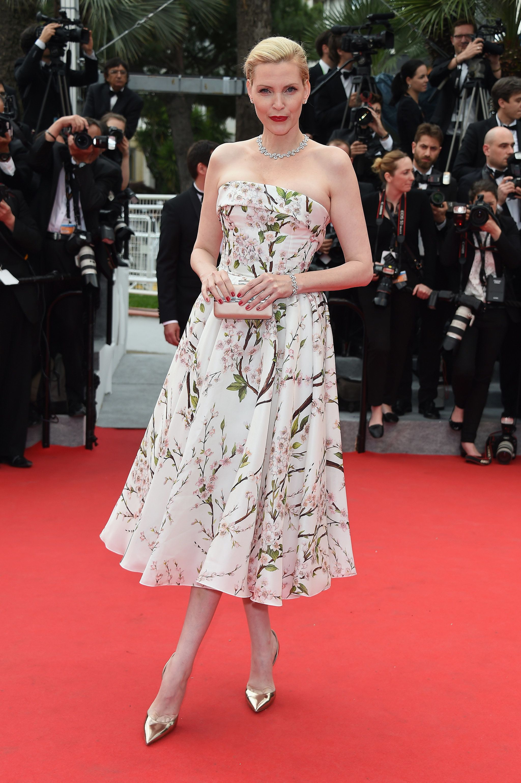 Nadja Auermann Red Carpet Glamour Pinterest Blumige Kleider