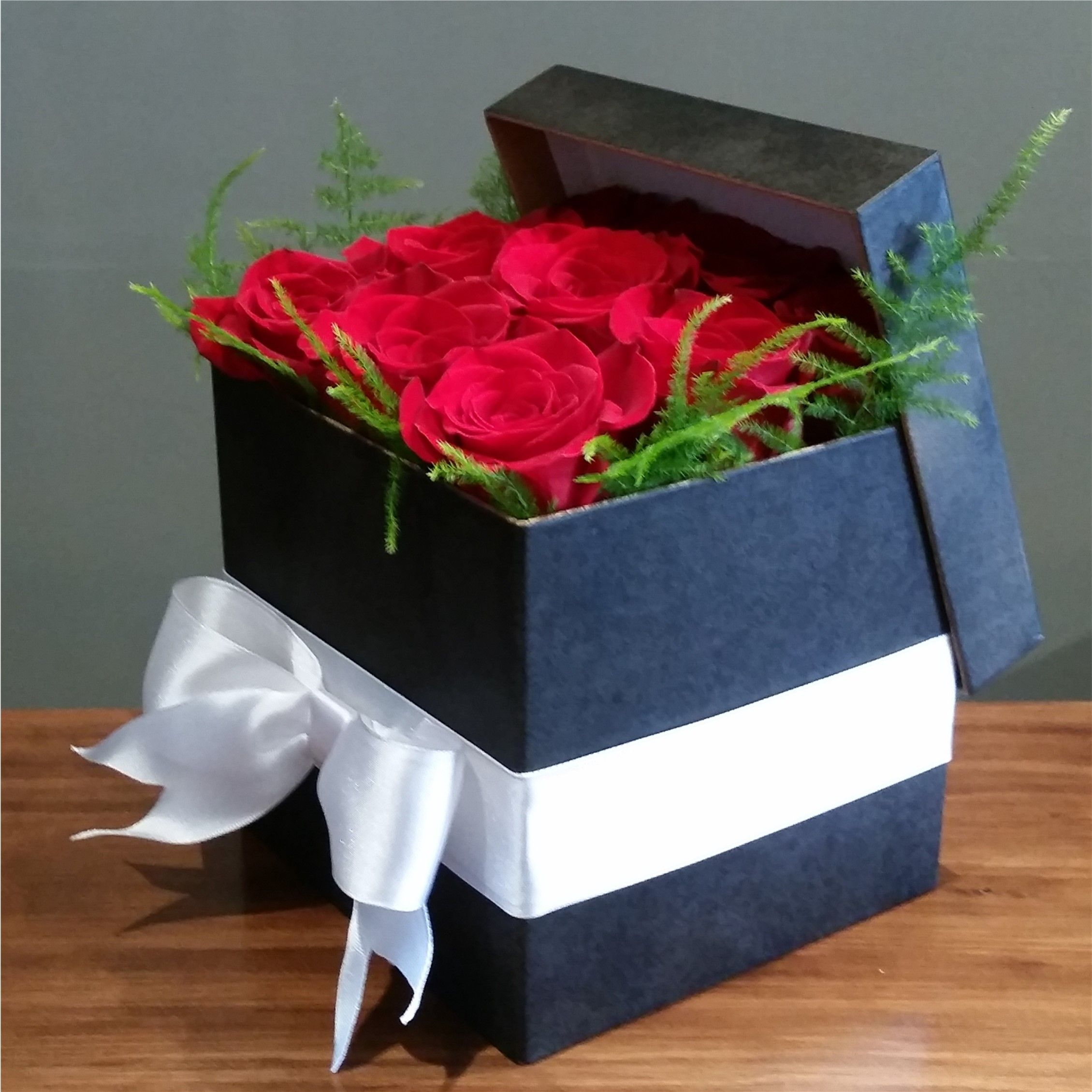 RED TUXEDO black rose box Nyc florist, Same day flower