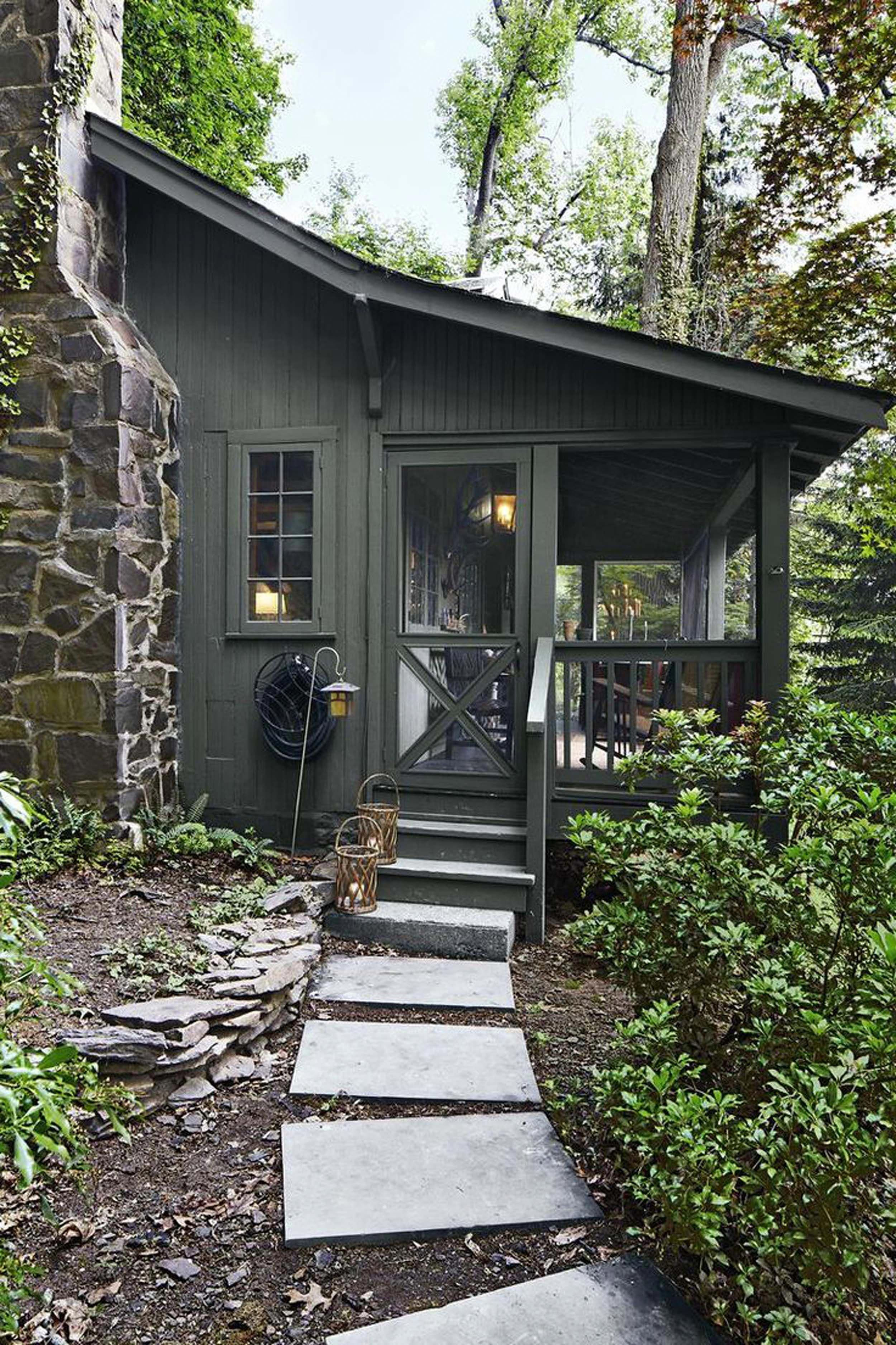 Dark Green Cabin Home Style Cabins Mountain Home Exterior Cottage Exterior Exterior House Colors