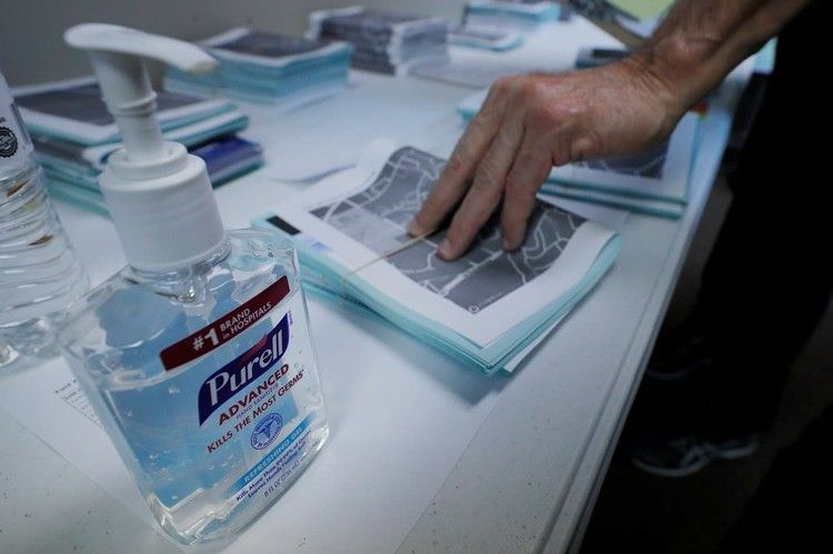 People Are Stealing Hand Sanitizer And Surgical Masks From Doctors