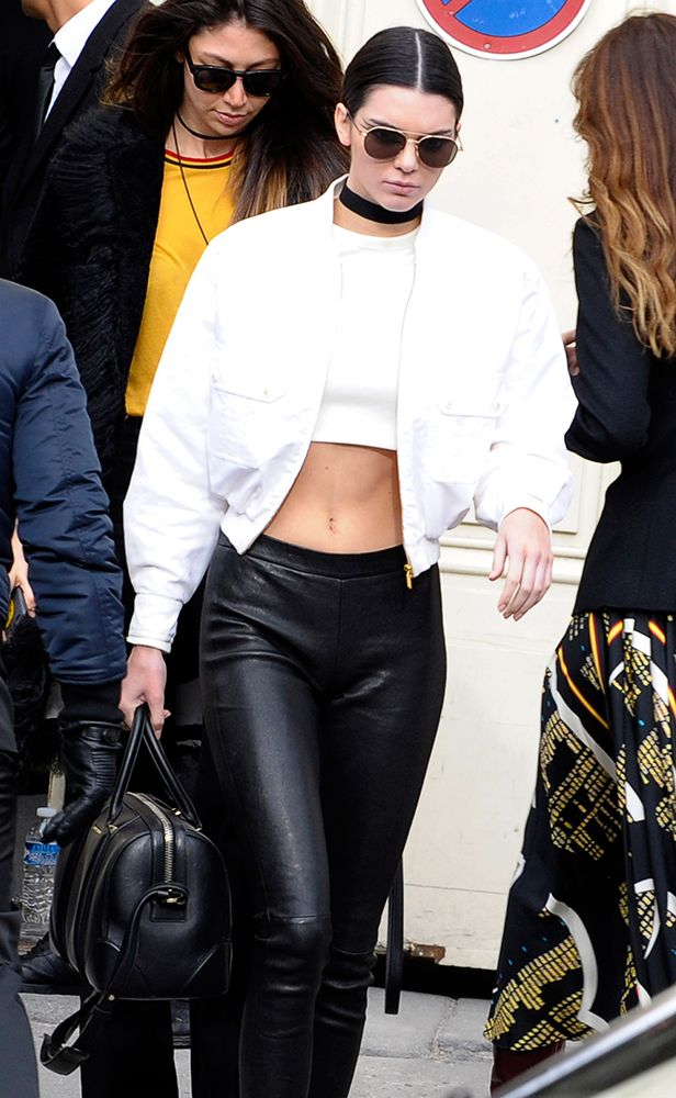 Kendall-Jenner-Givenchy-Lucrezia-Bag-2  b1bd31fc72aca