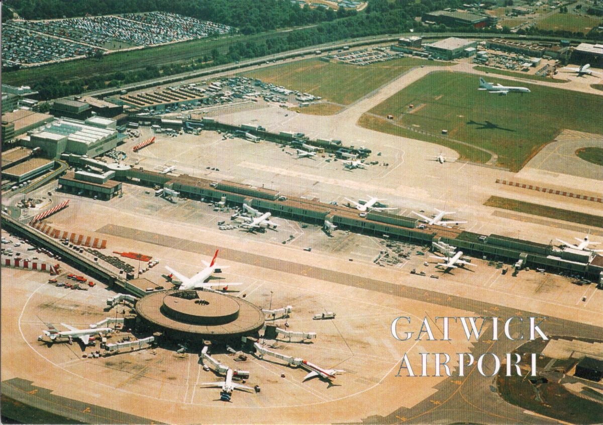 Greetings From Gatwick Airport 空港