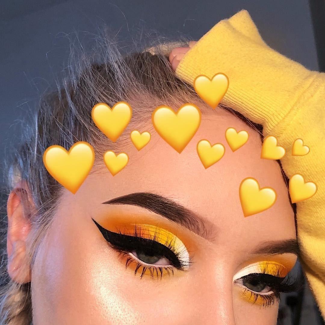 """Photo of Morphe on Instagram: """"Yesssss honey! 🍯🐝 @lenkalul blended a golden monochromatic eye look using her @JamesCharles Palette and it's buzzworthy babe! 💛✨"""""""