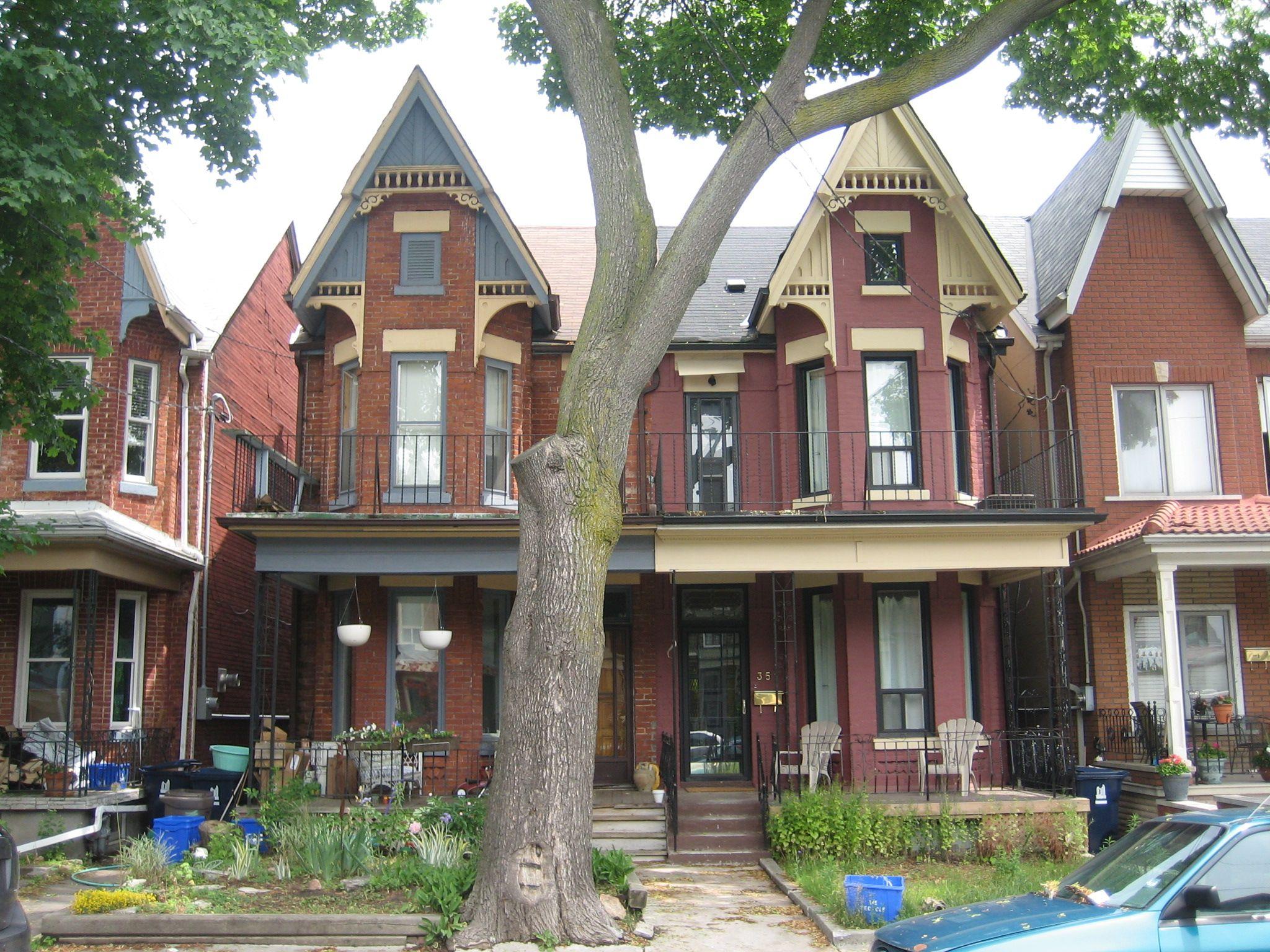 A Bay And Gable Victorian Duplex Toronto Ontario Apartments Exterior Gable House Toronto Houses