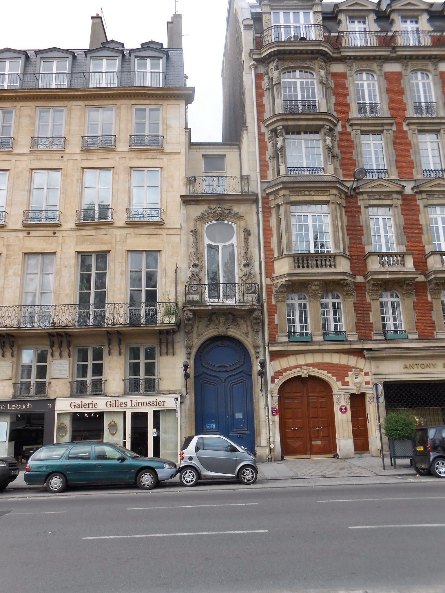 Incredible Smallest House In Paris Travel Street View Street Places Download Free Architecture Designs Terstmadebymaigaardcom