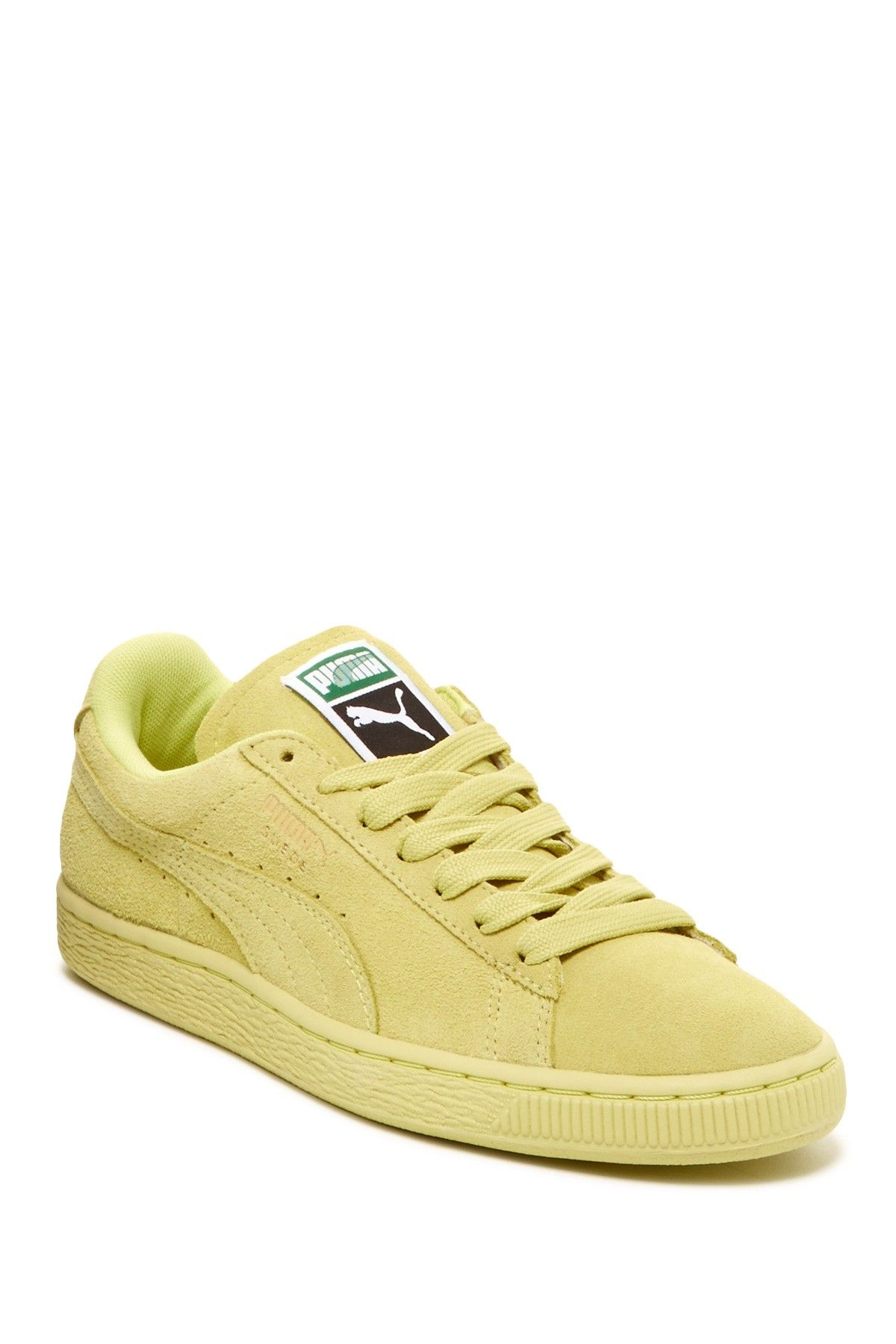 PUMA Suede Classic Sneaker | Sneaker Head | Fashion shoes