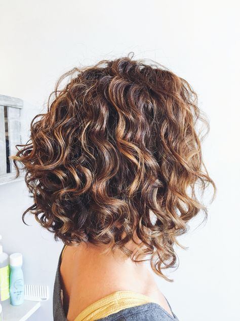 I Like The Layers At The Back And The Angle Down To The Front Short Permed Hair Haircuts For Curly Hair Curly Hair Styles