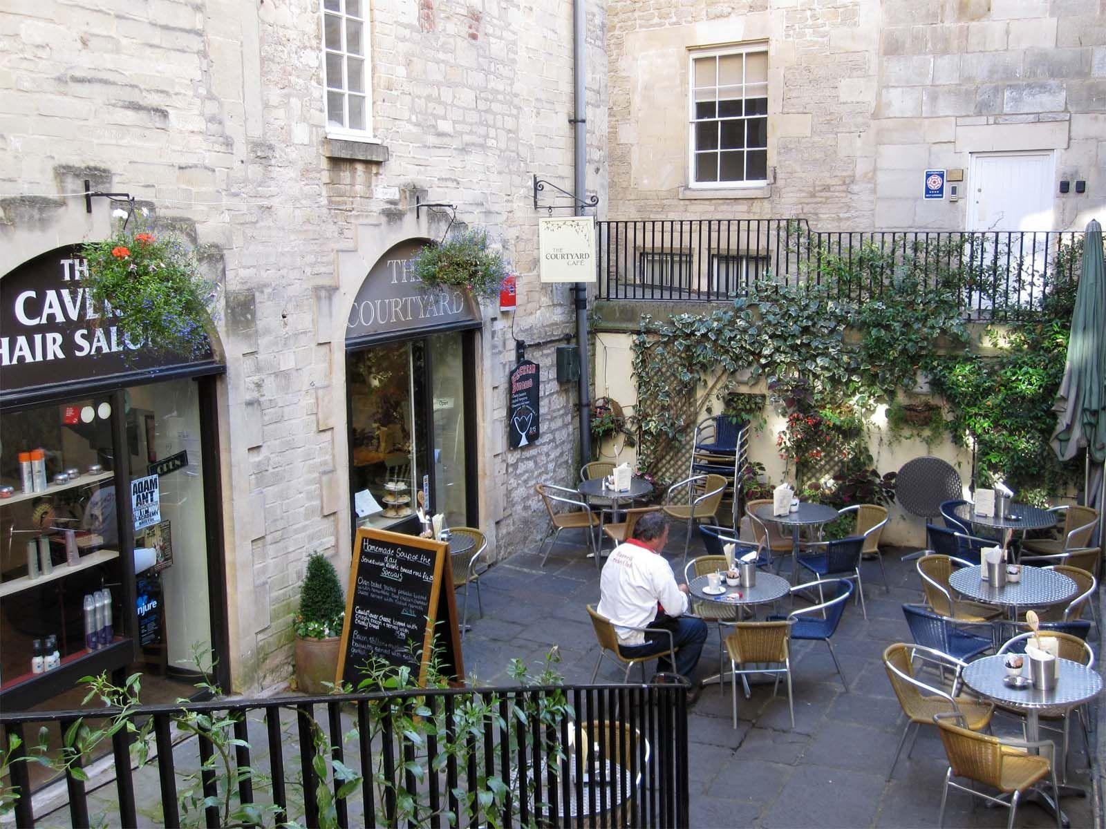 Courtyard Bath Con Imagenes