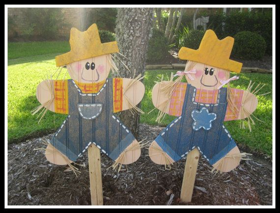 Wood scarecrow fall decoration yard stake by