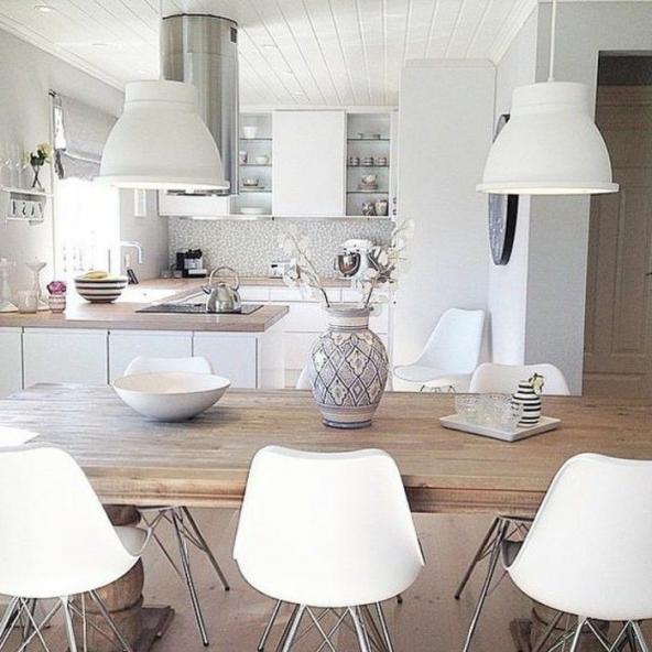 Lampadaire Castorama Lampadaire De Cuisine Blanche Table En Bois Clair Chaise En Plastique Howtogethimt In 2020 Home Decor Kitchen Table Settings Kitchen Table Chairs
