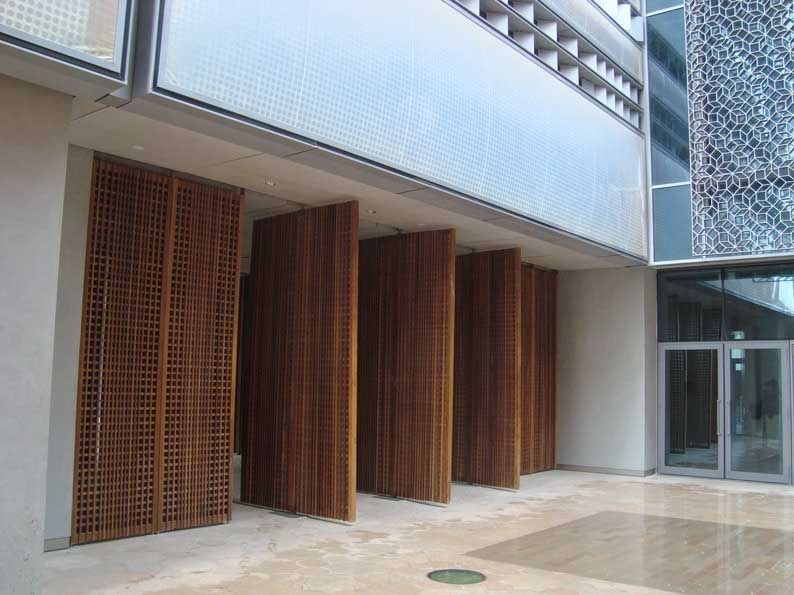 Interior Architectural Screen : Sir norman foster partners masdar institute abu dhabi