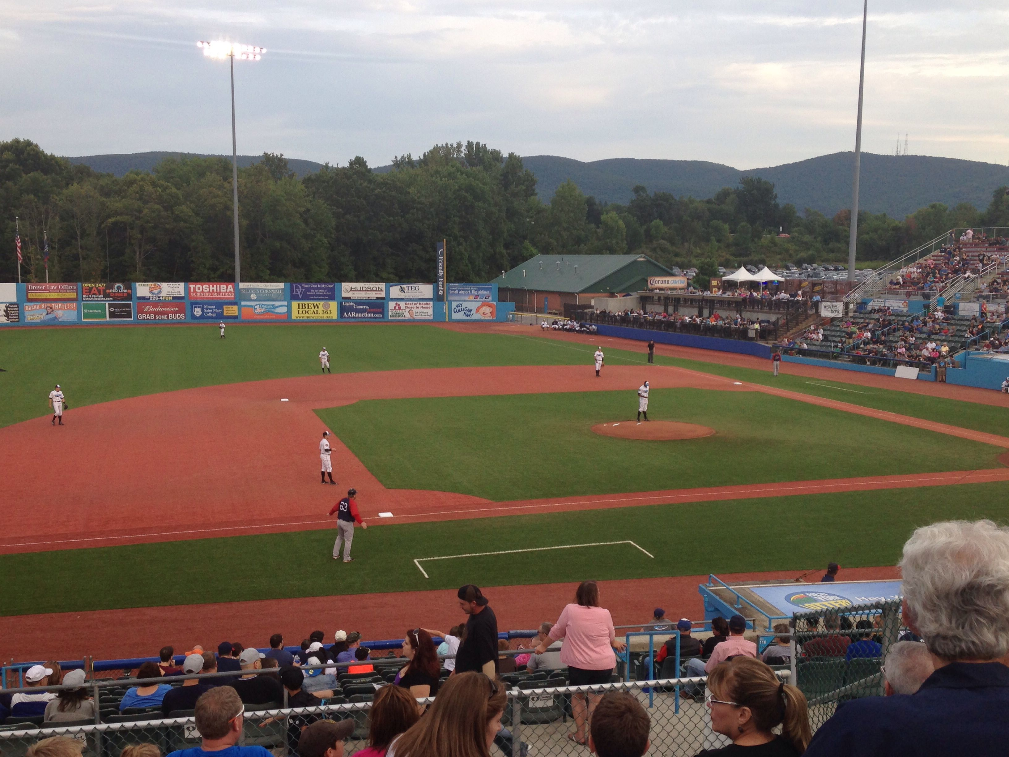 Dutchess Stadium In Beacon Ny Home Of The Hudson Valley Renegades Minor League Baseball Minor League Baseball Baseball College Baseball