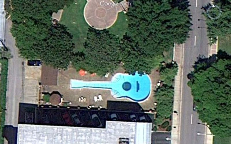 Webb Pierce S Guitar Shaped Swimming Pool At His Home On