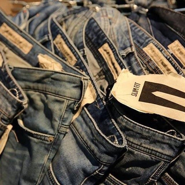 Just denim ...#bluejeans #denim #denimlovers #jeans #basicdenim #drykorn_forbeautifulpeople #drykorn