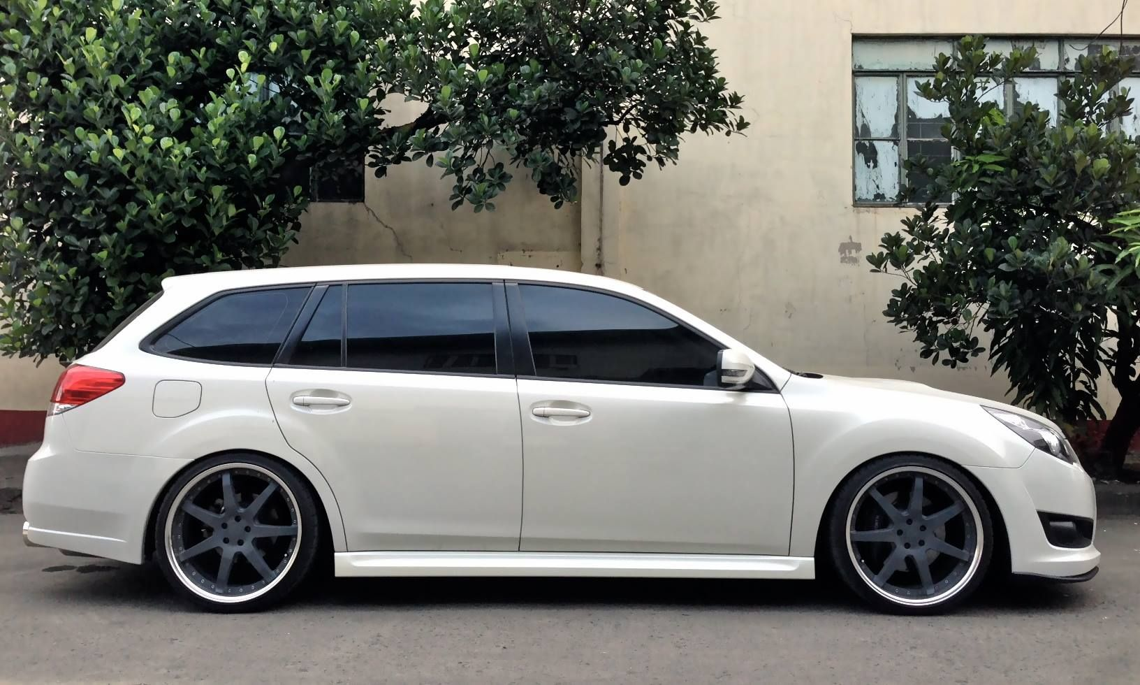 Want To Wrap Your Magwheels To Any Color Just Like This Classy Subaru Legacy Gt Inquire Now Dec 4 2013 Carpornr Subaru Legacy Subaru Legacy Gt Legacy Gt