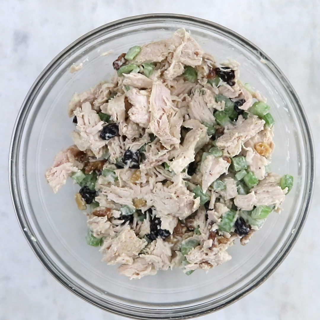 5-ingredient healthy chicken salad that can be eaten multiple ways! So easy, satisfying and perfect for any occasion! A great blend of crunchy and creamy with a touch of sweetness from dried cherries.