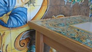 Tavolo vietri ~ Tavolino vietri piastrelle tavola