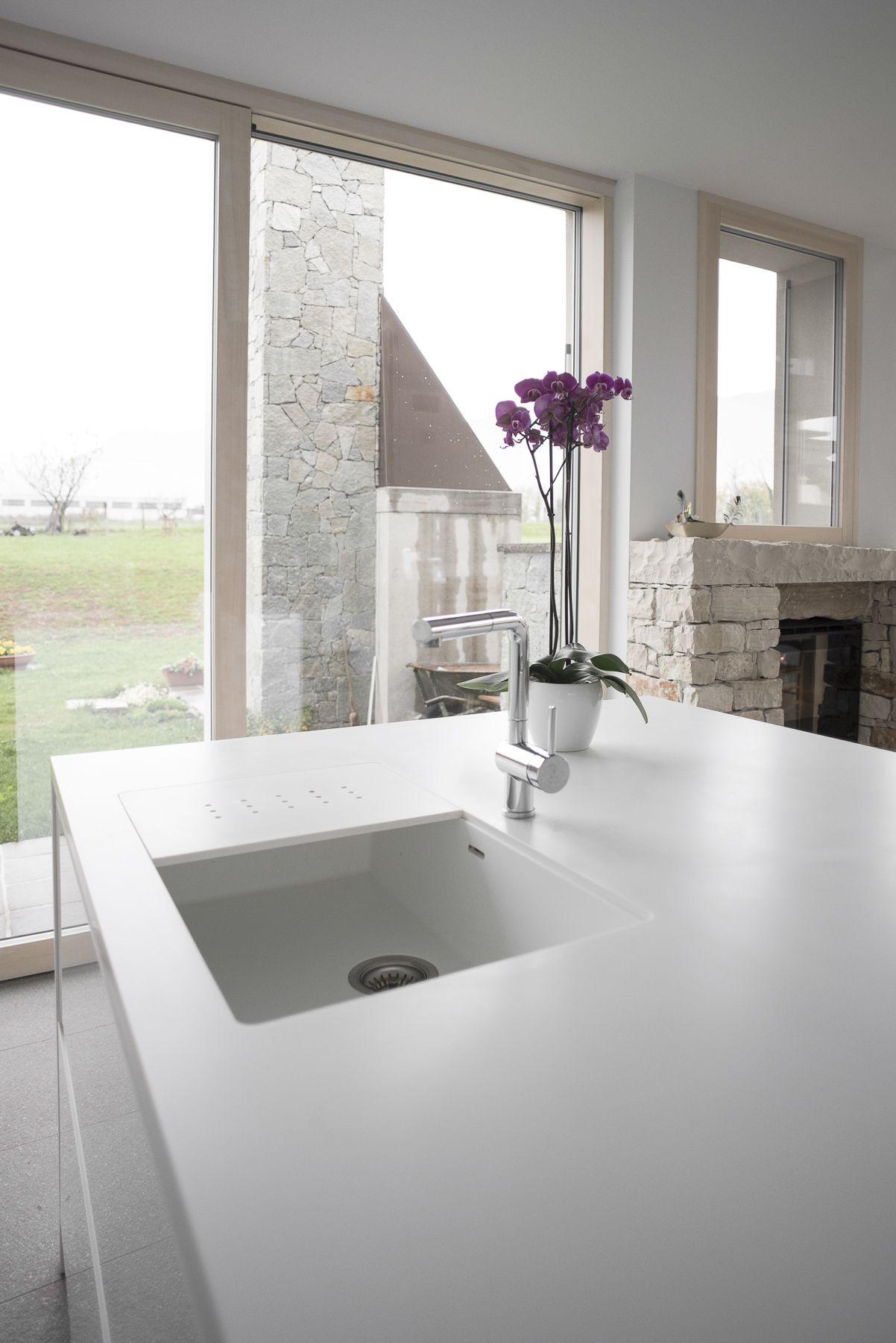 Corian #top #kitchen #sink #white #minimal #island The Corian top ...