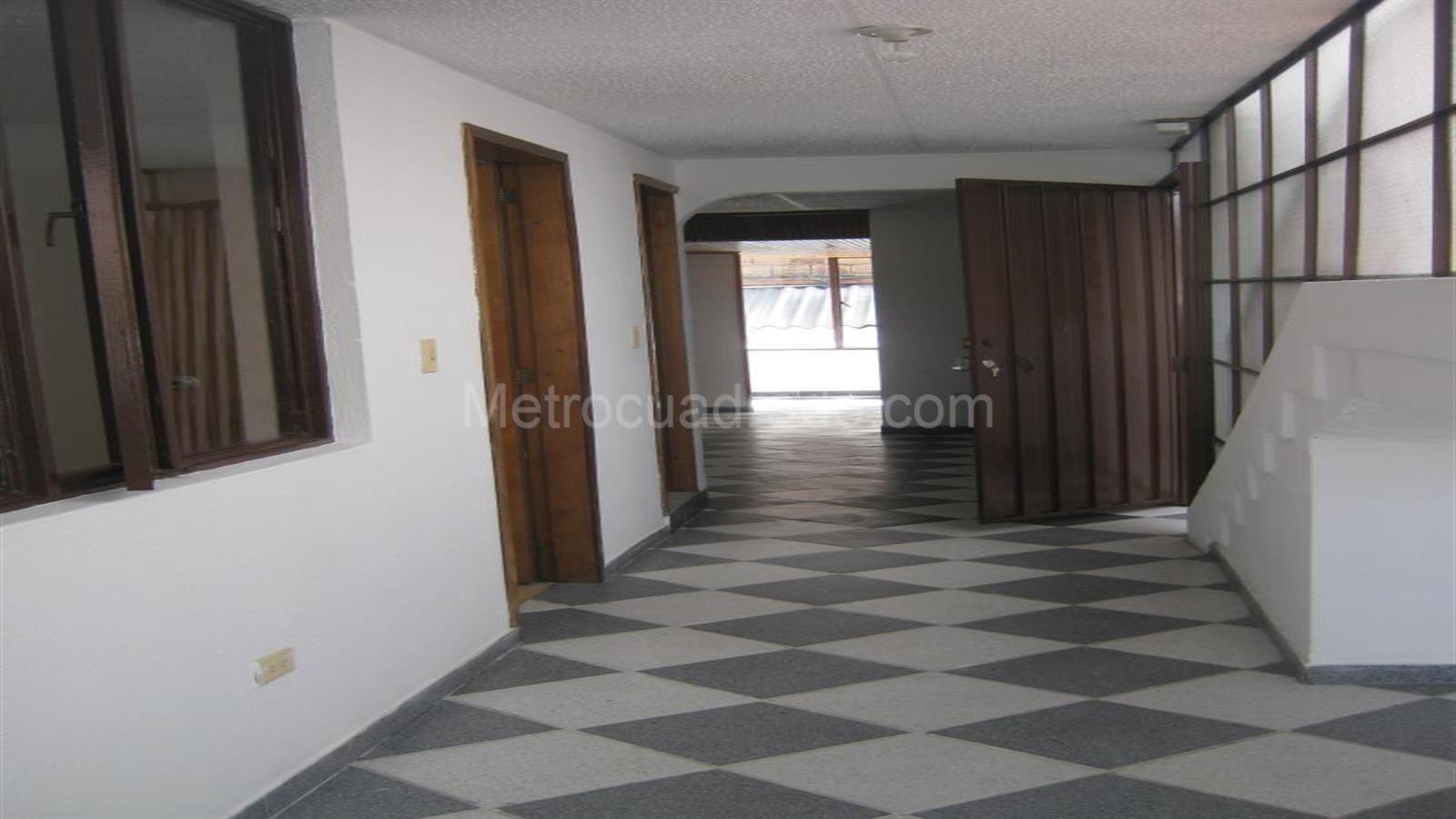Apartamento En Arriendo En Suba Bogot D C 3 Habitaciones 2  # Muebles Suba Bogota