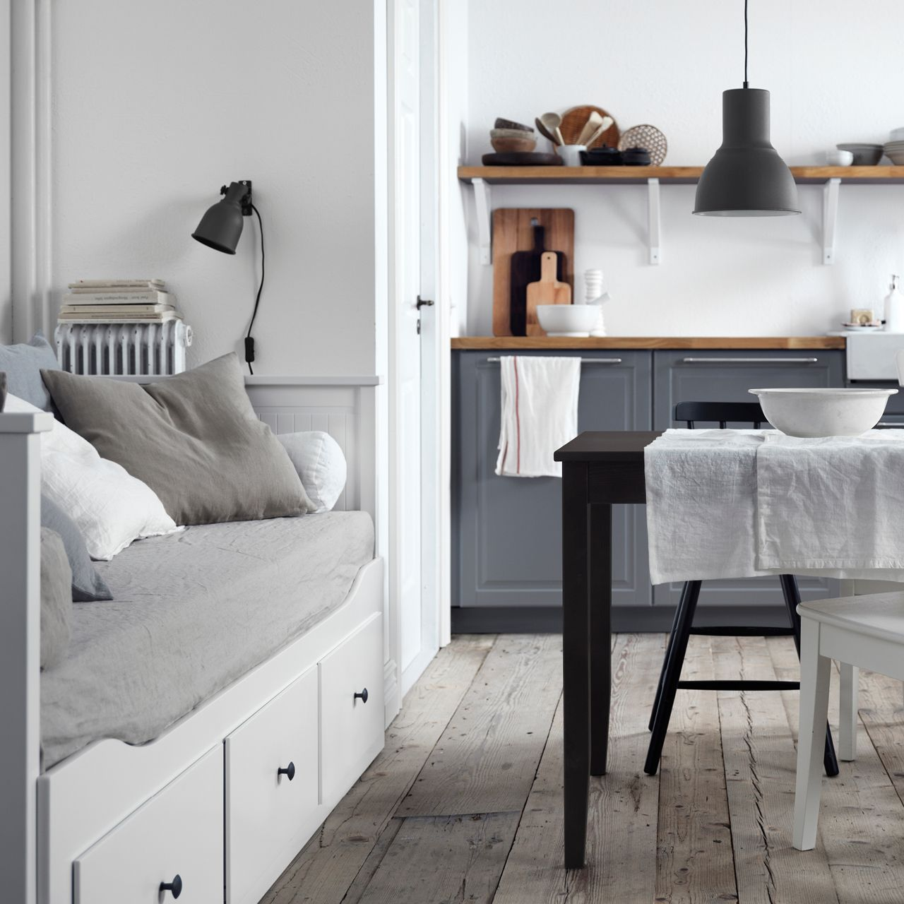 Dining and comfort should always go together home in - Daybed in living room ...