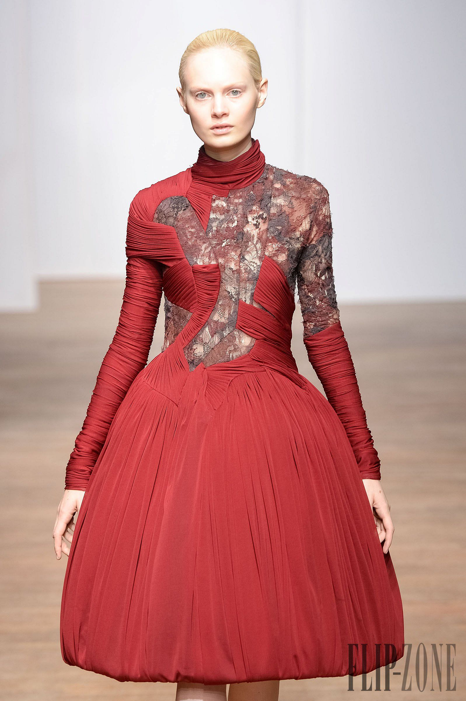Yiqing Yin Automne-hiver 2013-2014 - Haute couture