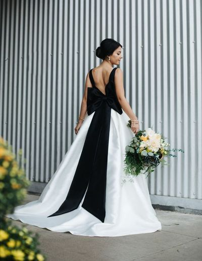 Black and White Ball Gown Wedding Dresses Scoop Big Bow Bridal Gowns ...