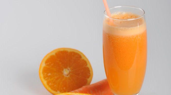عصير الجزر والبرتقال من الشيف فتافيت Recipe Fatafeat Juicing Recipes Glassware