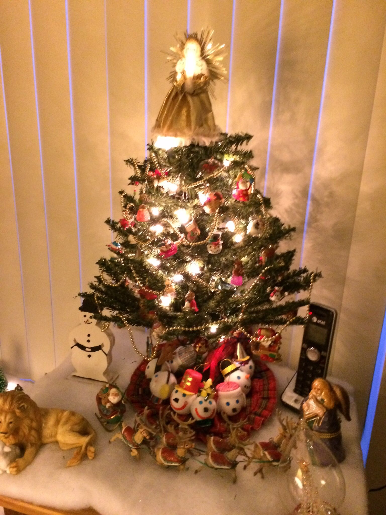 My Miniature Tree With All Hallmark Ornaments For The First Time Hallmark Christmas Ornaments Hallmark Ornaments Christmas Ornaments