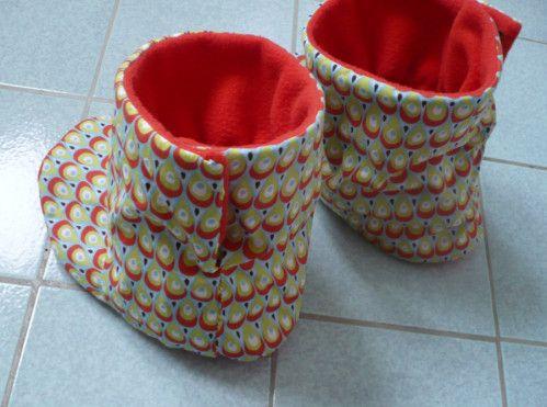 J ai r alis ces chaussons en polaire et coton d apr s un - Tuto chausson bebe couture ...