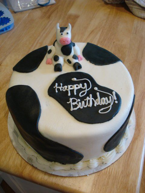 Cow Birthday Cake I Like The Writing On The Black Spot But Would