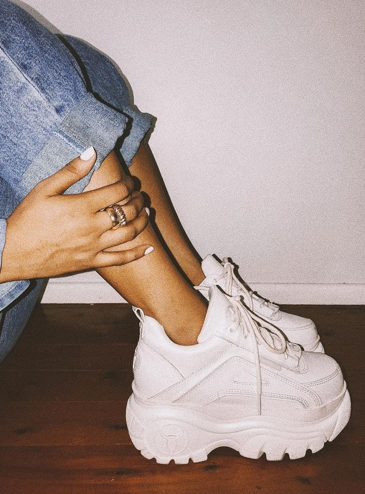 Windsor Smith Lupe Sneaker White – US 9 / White