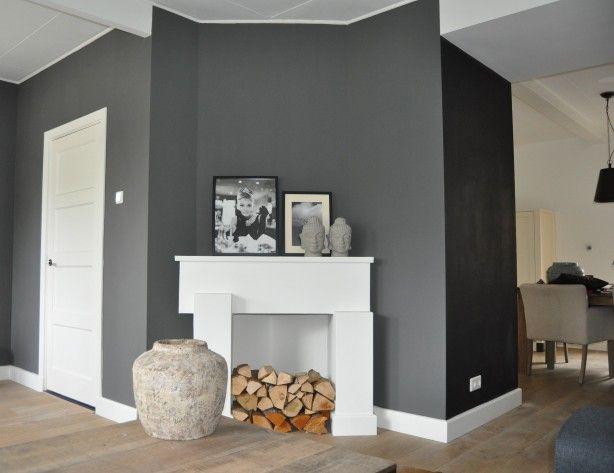 Landelijke Slaapkamer Kleuren : Donkere muur i c m witte kleuren landelijk hout woonkamer