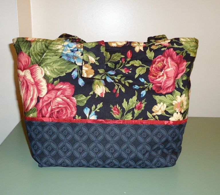 QUILTING/SEWING BAG - NEW - GREAT FOR CARRYING ALL YOUR QUILTING ... : new quilting notions - Adamdwight.com