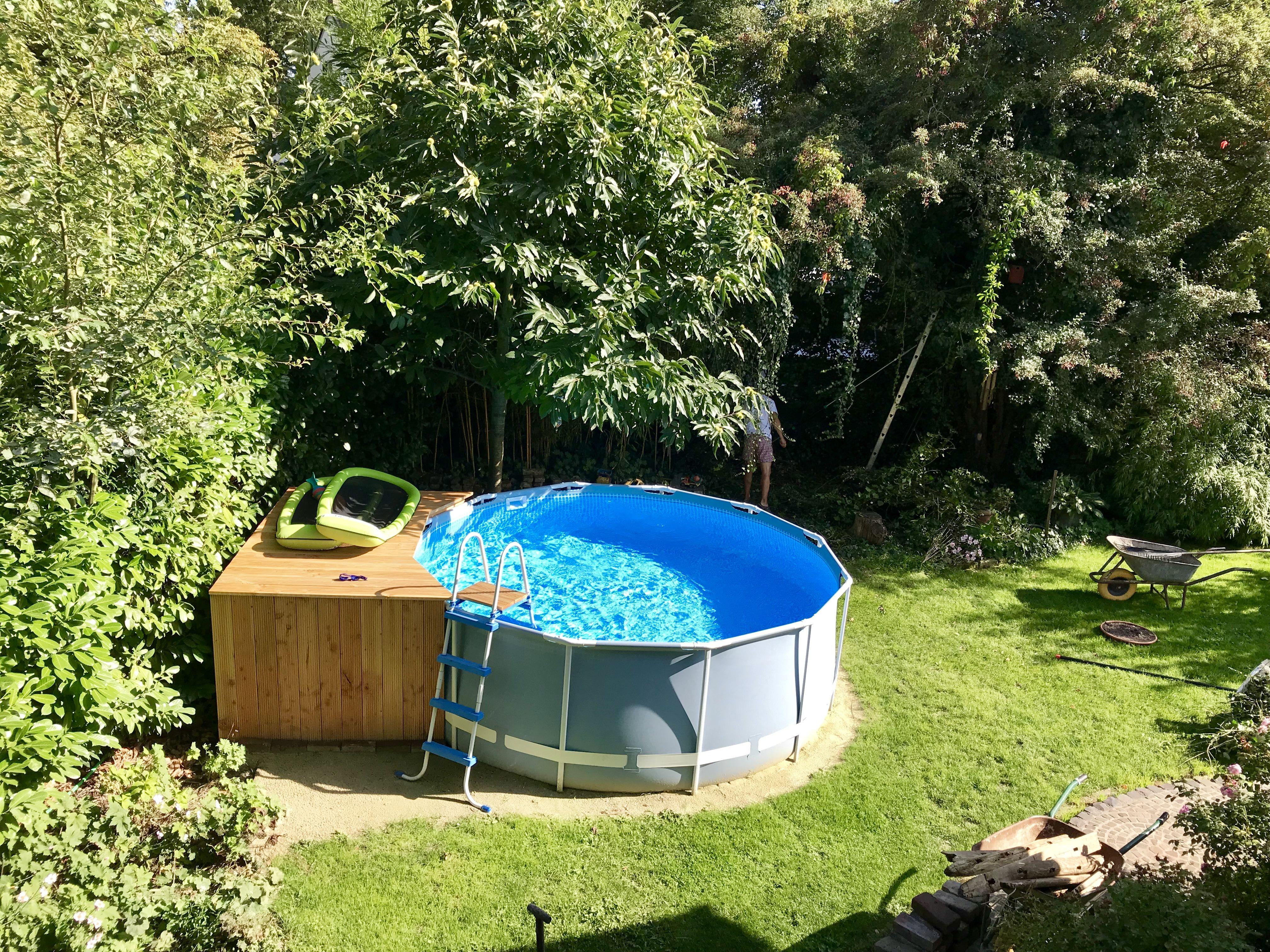 Pool Mit Holzpodest Selbstgebaut Aus Paletten Und Terrassendielen Sandfilter Uberdachung Podest Bauen Gartenpools Pool