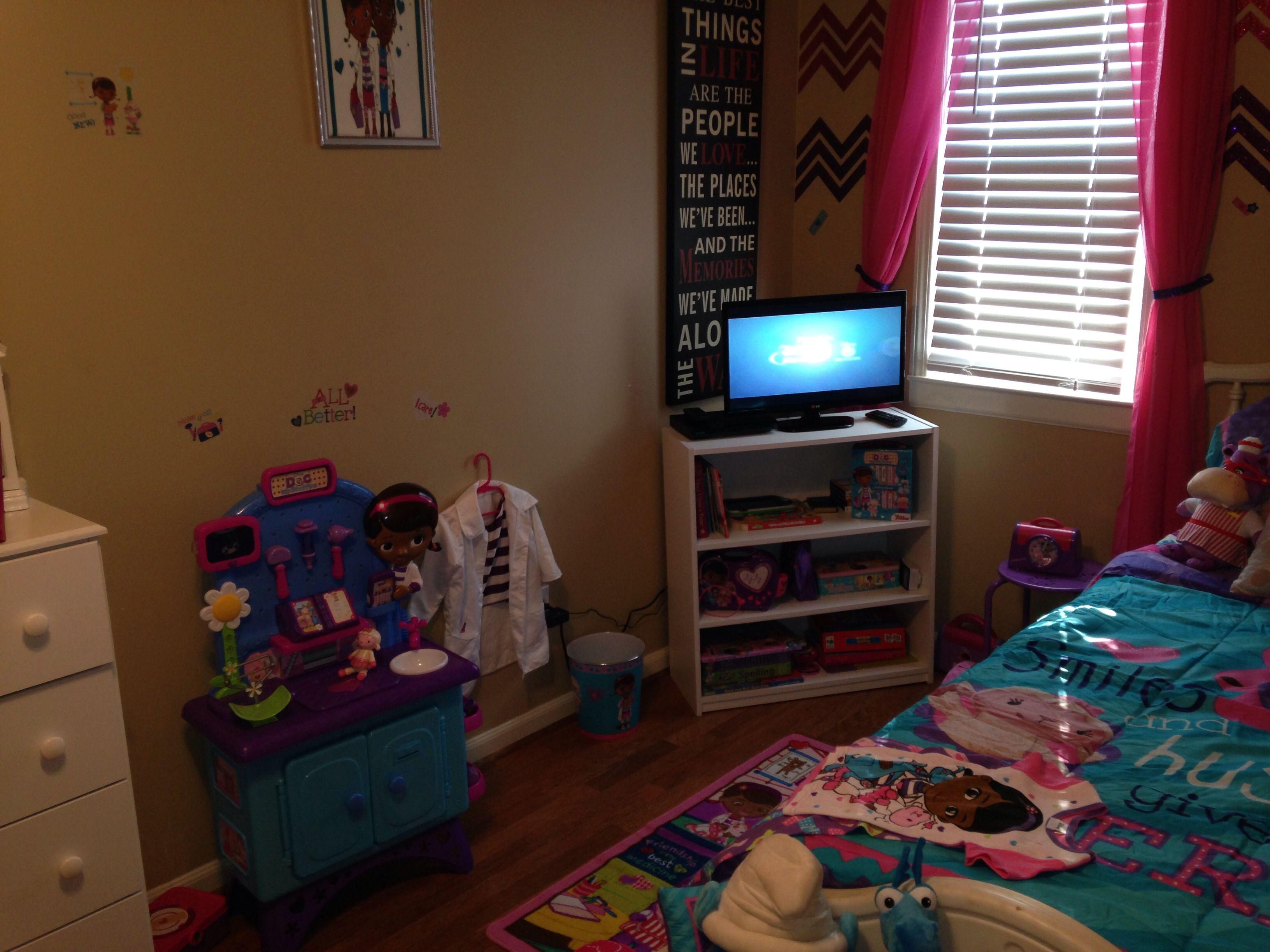 Doc mcstuffins room girls room diy doc mcstuffins room