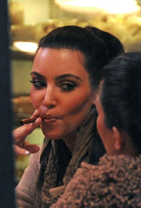 Kim Kardashian Smoking Cigarette Celebrities who smoke