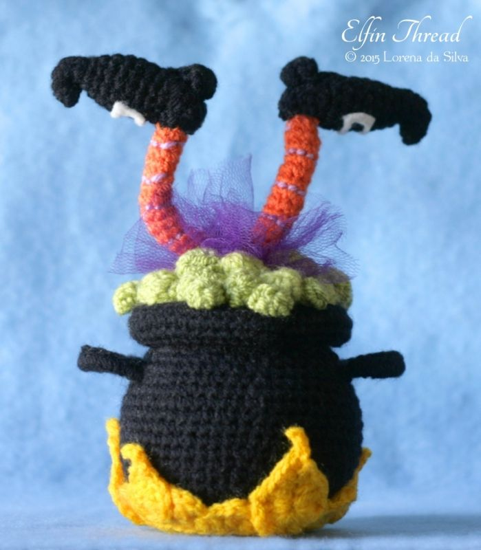 Halloween Witch Cauldron amigurumi pattern by Elfin Thread ...