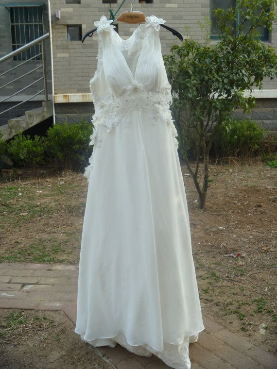 Vintage Wedding Dress A LINE Bridal Gown with Lace by Whitesrose, $389.00